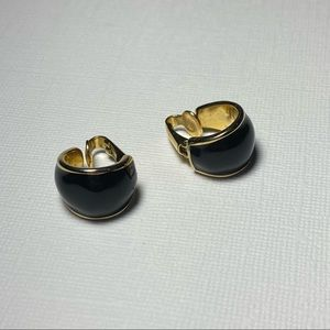 💥3 for $25💥 Vintage Small Gold Toned/Black Enamel Swing Clasp Earrings